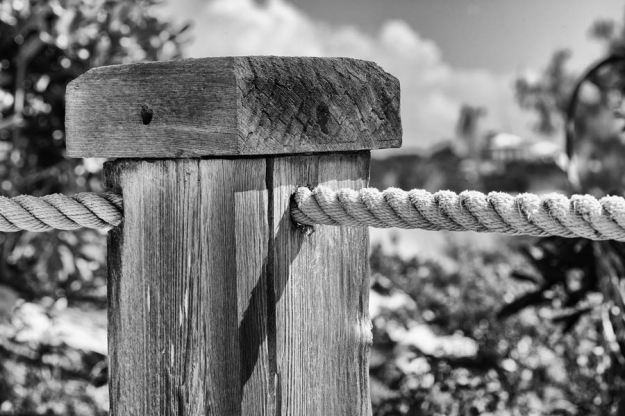 Post and Rope - 1/125 at f/f11, ISO 100